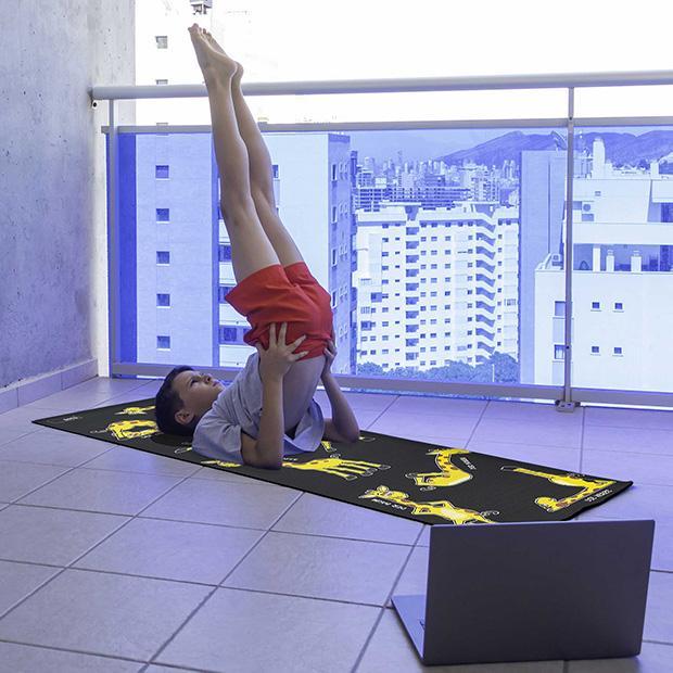 Giraffe Yoga 3
